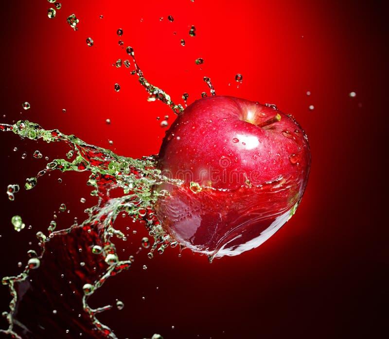 красный цвет яблока стоковое фото