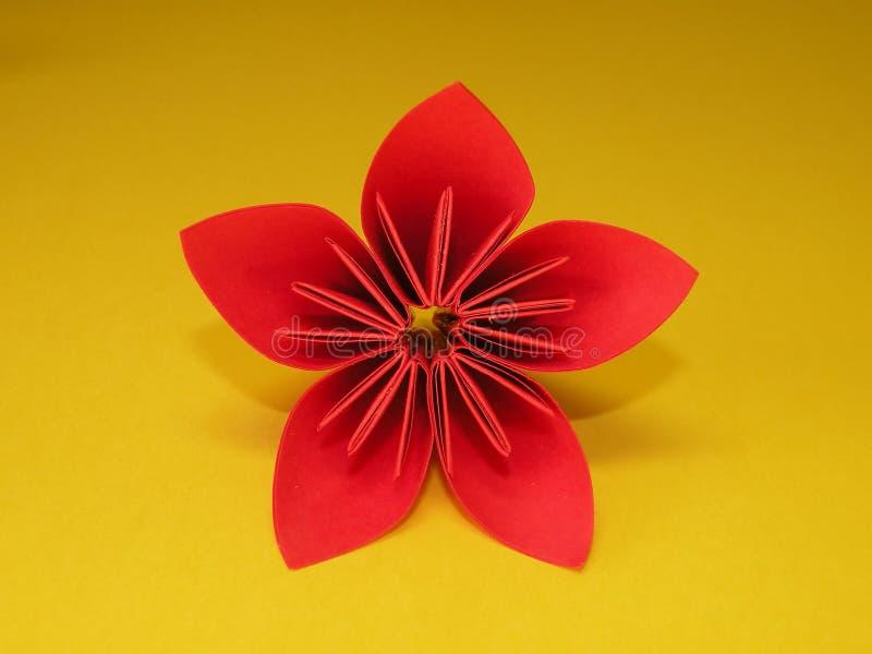 красный цвет origami цветка стоковое фото rf