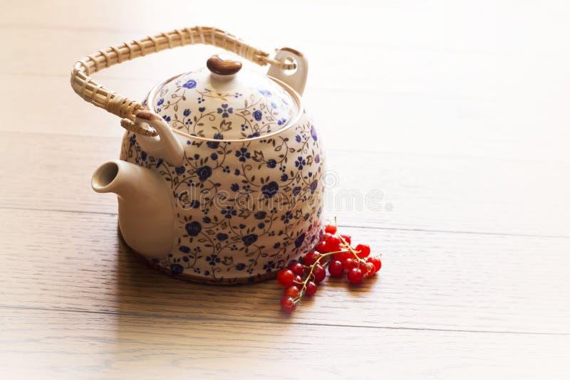 Красный чай ягод стоковые изображения
