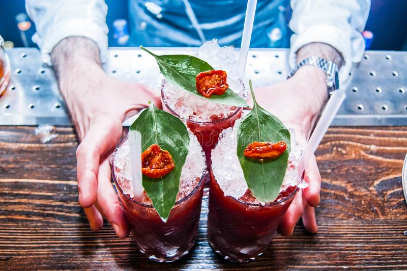 3 красных коктеиля кровопролитных Mary стоковое фото