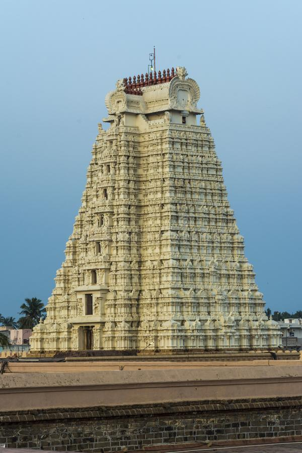 Красота взгляда башни виска полно- - Srirangam стоковая фотография