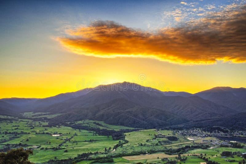 Красота держателя на восходе солнца стоковые изображения