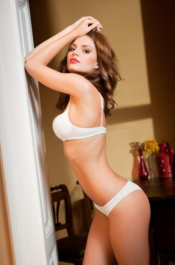 Download Красота женское бельё стоковое изображение. изображение насчитывающей brussels - 40587427