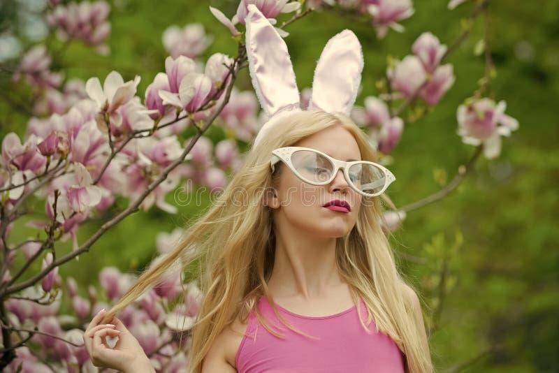 Красота, молодость и свежесть весной, пасха стоковые изображения rf
