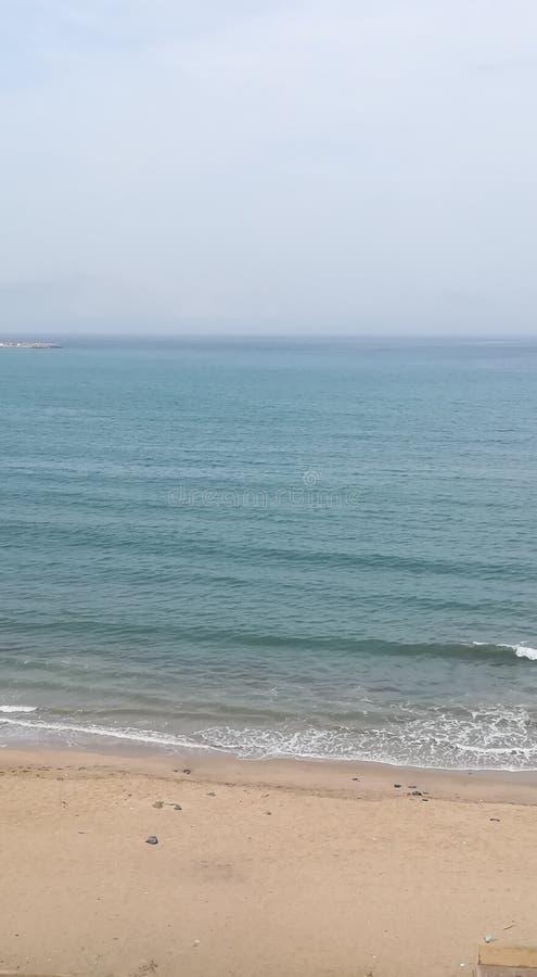 Красота морской воды в пляже Танжера, невесте севера стоковые фотографии rf