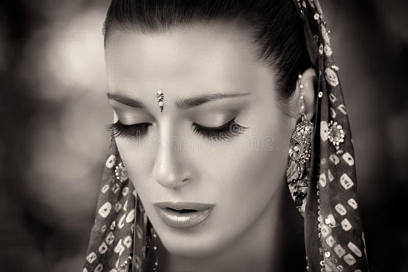 красотка этническая Индусская женщина стоковые фотографии rf
