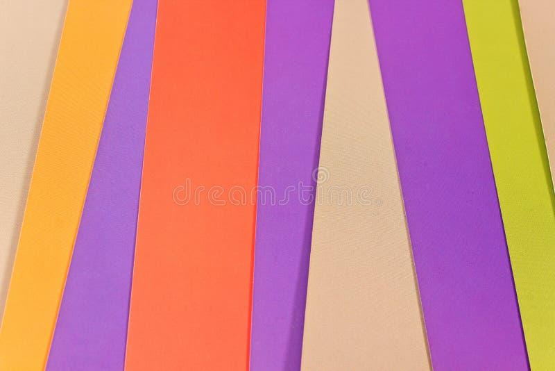 Красочная бумага как предпосылка стоковые фото