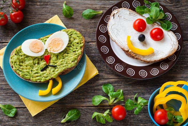 Красочная еда для детей: здоровые vegetable сандвичи стоковые фото