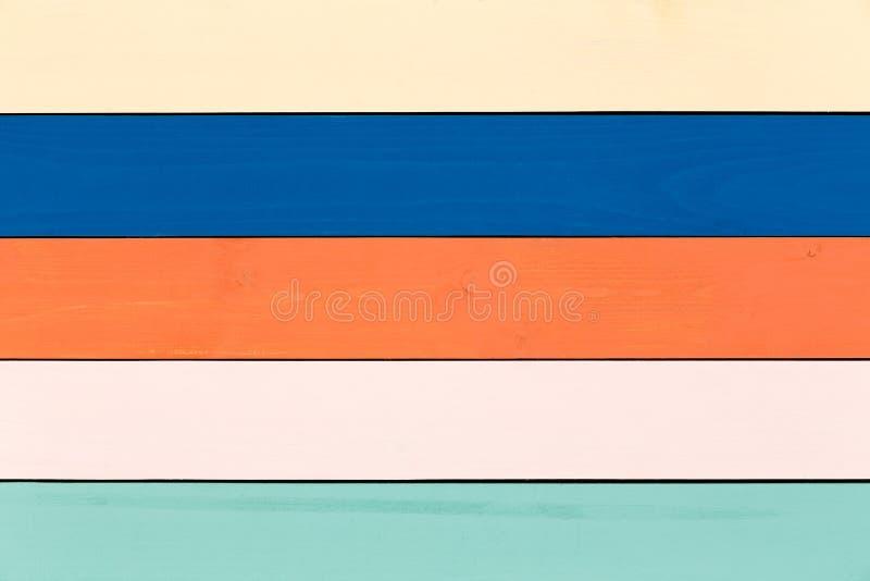 Красочная запятнанная деревянная предпосылка в пастелях стоковые изображения rf