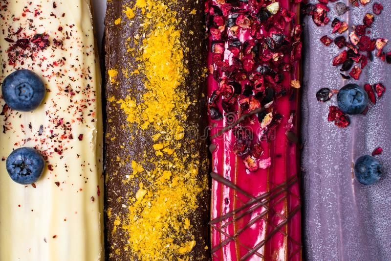 красочная предпосылка eclairs стоковая фотография rf