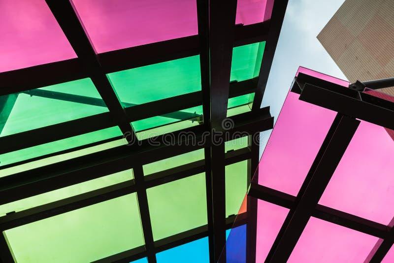 Красочная прозрачная крыша сделанная из стекла стоковые изображения rf