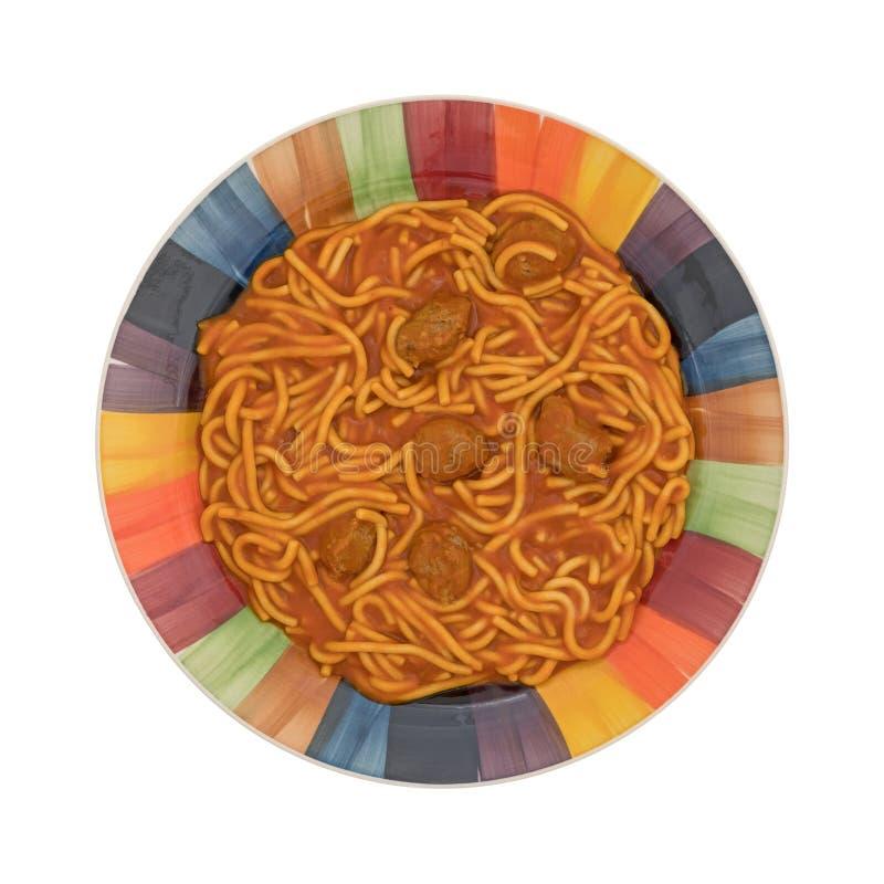 Красочная плита спагетти и фрикаделек на белой предпосылке стоковые изображения rf