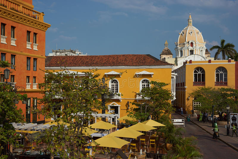 Красочная площадь в Cartagena стоковое фото