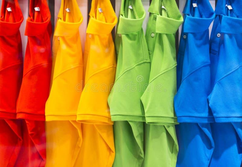 Красочная рубашка поло стоковые изображения rf