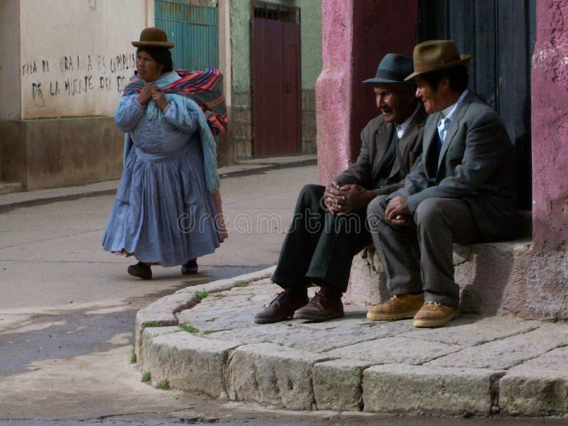 Красочная традиционная одежда и славные шляпы стоковые фотографии rf