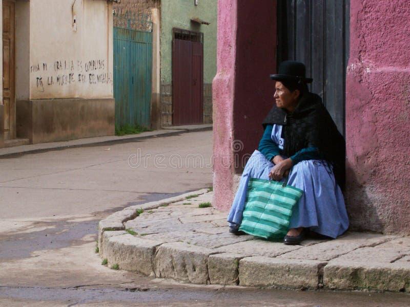 Красочная традиционная одежда и славные шляпы стоковая фотография rf