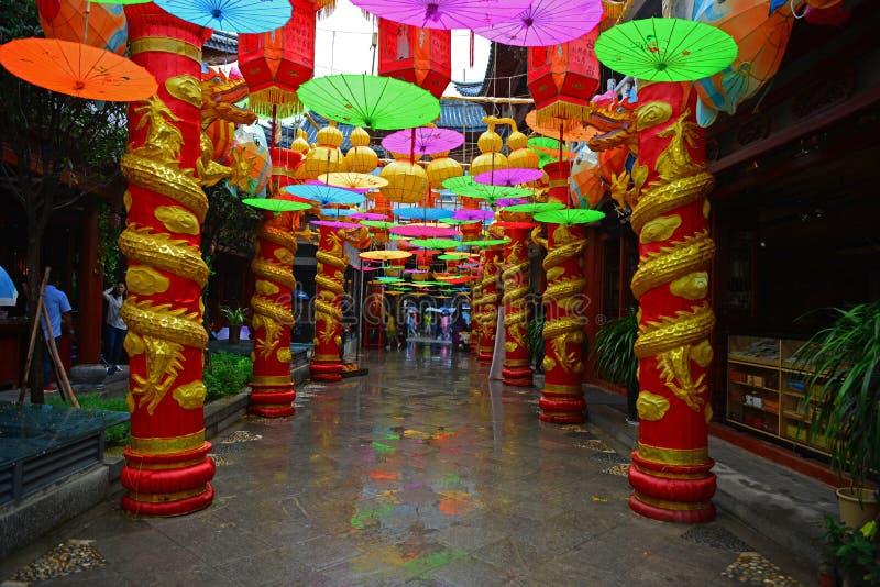 Красочная улица зонтика бумаги масла стоковое изображение