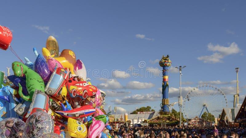 Красочные воздушные шары на Oktoberfest, Штутгарте стоковое изображение rf
