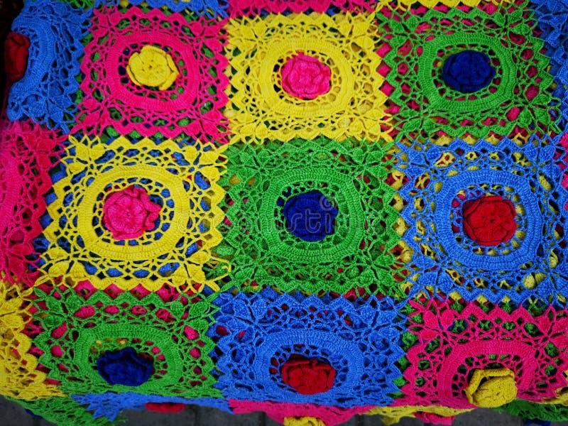 Красочные детали macrame - другие цвета в квадратах стоковые фотографии rf