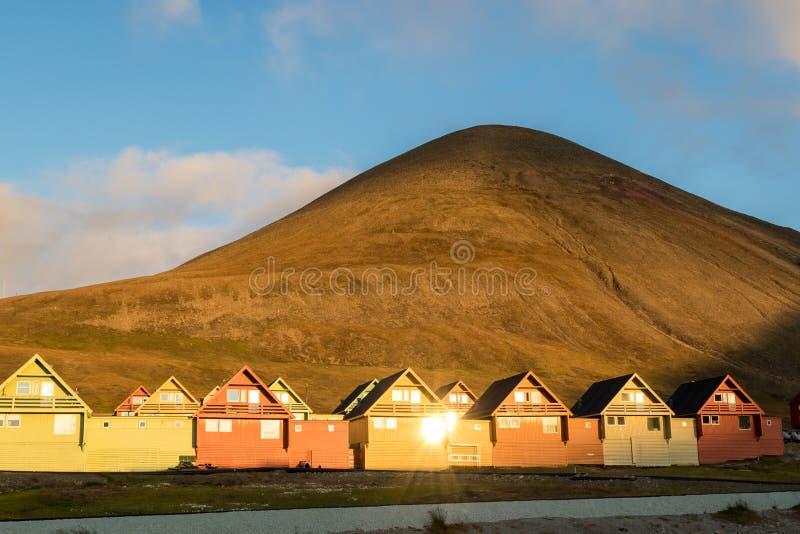 Красочные дома Longyearbyen, Свальбарда стоковые фото