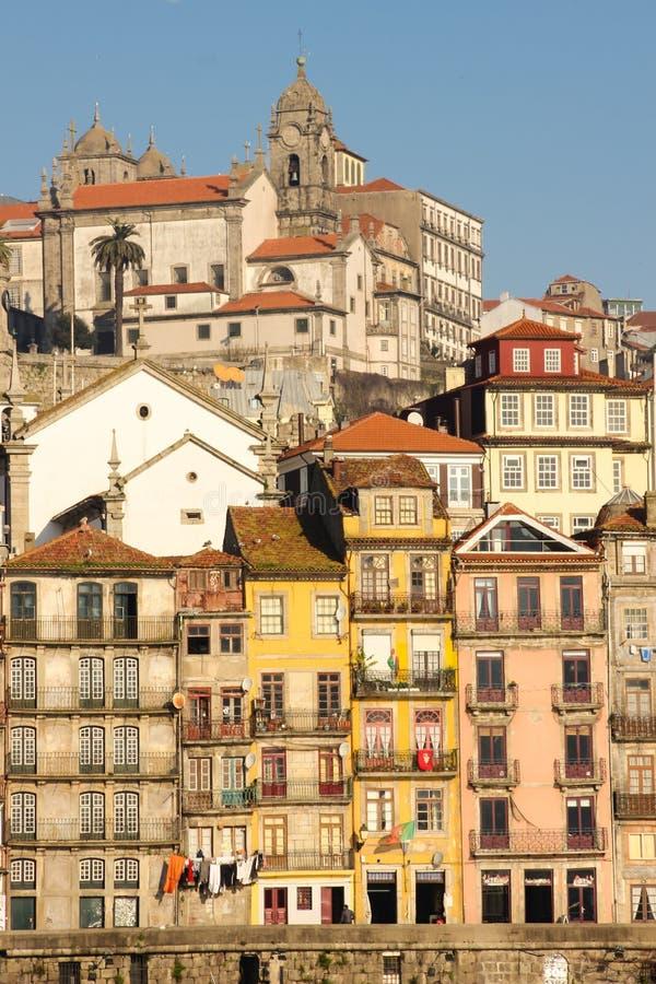 Красочные здания с балконами. Порту. Португалия стоковые изображения rf