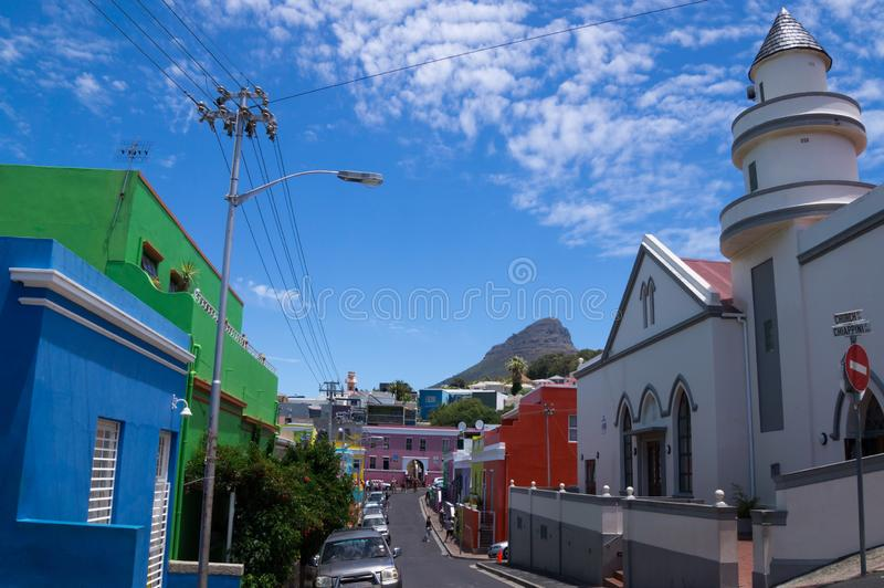 Красочные и яркие дома bo-Kaap, Кейптауна стоковая фотография