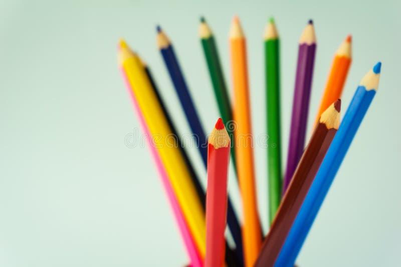 Красочные карандаши закрывают вверх стоковые изображения rf
