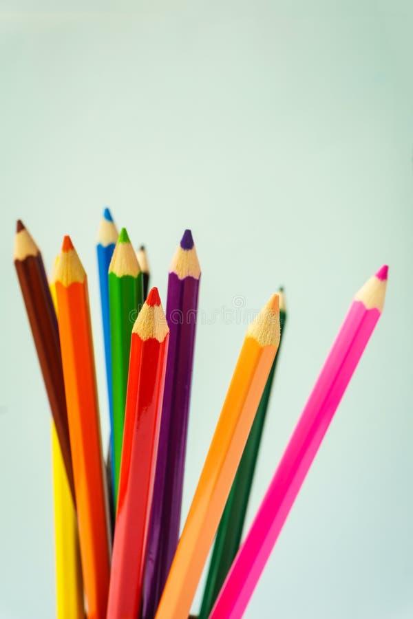 Красочные карандаши закрывают вверх стоковые изображения