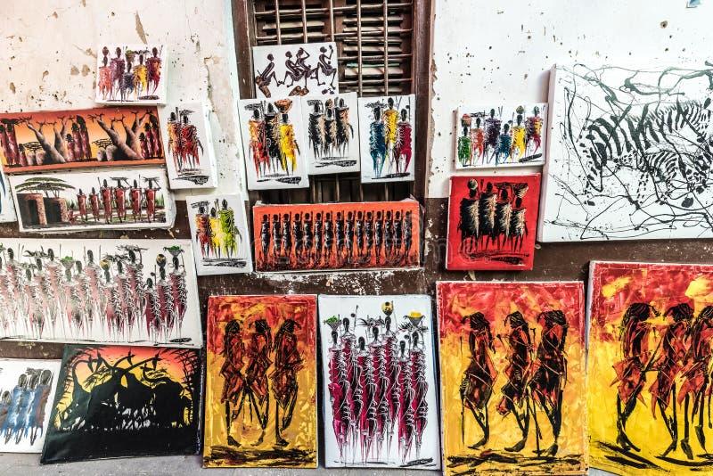 Красочные картины Занзибара на местной продаже улицы стоковое фото rf