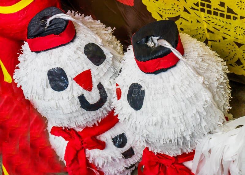 Красочные мексиканские ремесленничества Оахака Juarez Мексика Pinatas снеговика стоковая фотография