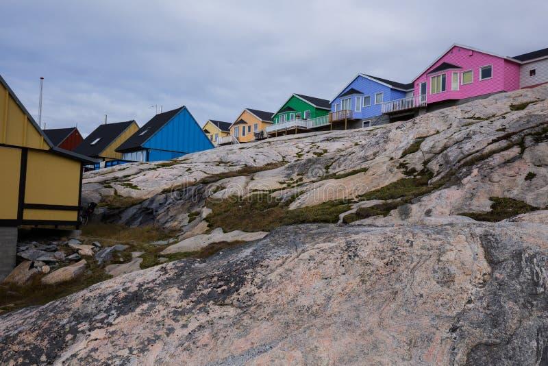 Красочные дома Ilulissat стоковые изображения