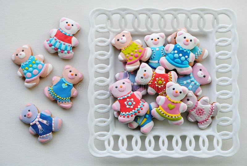 Красочные печенья рождества, печенья рождества украшенные для детей стоковая фотография rf