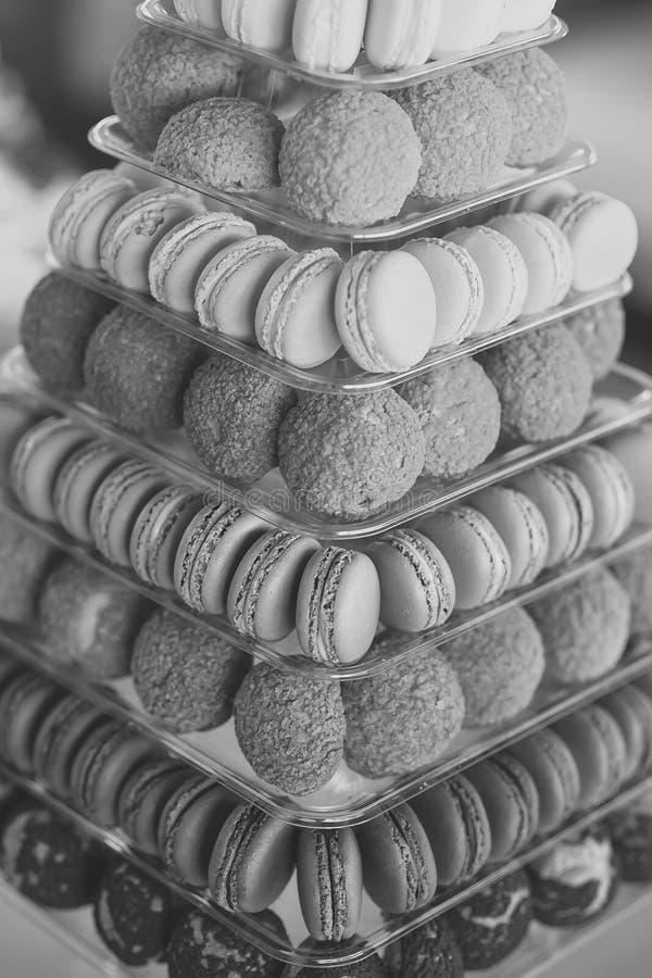 Красочные печенья macaron стоковая фотография