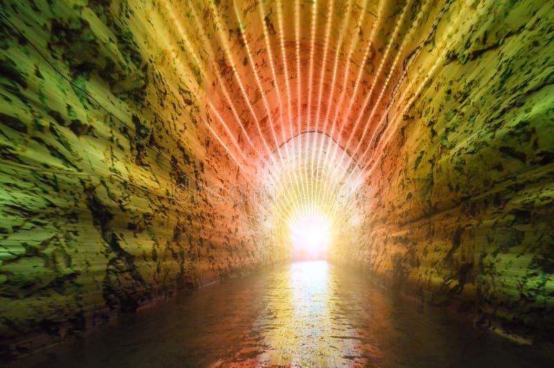 Красочные света в конце тоннеля стоковые фото