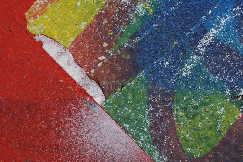 Красочные сорванные старые плакаты как абстрактное красочное текстурированное backgro стоковые фотографии rf