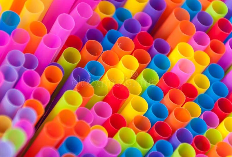 Красочные соломы питья стоковые изображения