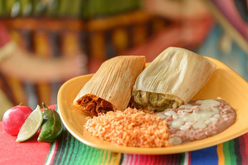 Красочные традиционные мексиканские блюда еды стоковые фото