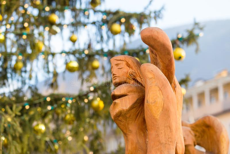 Красочные украшения на рождественской ярмарке в Больцано стоковые фото