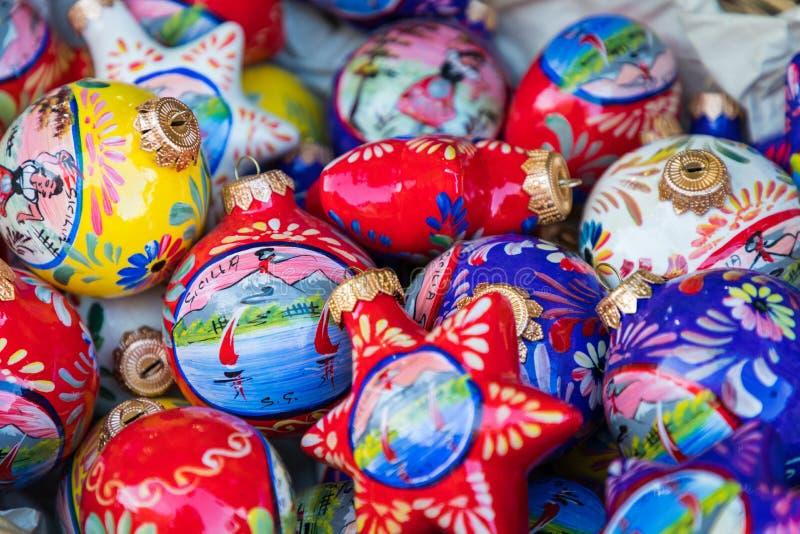 Красочные украшения рождества как сувенир от Сицилии, Италии стоковые изображения