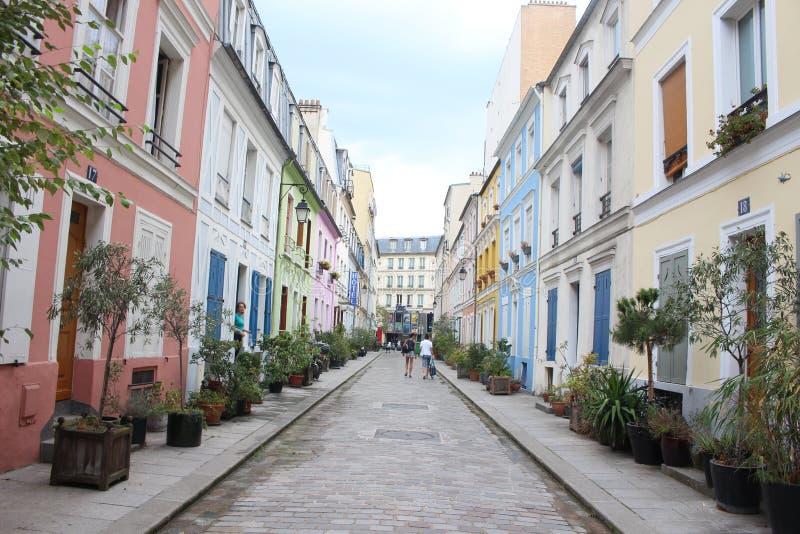 Красочные улицы в Париже стоковое фото