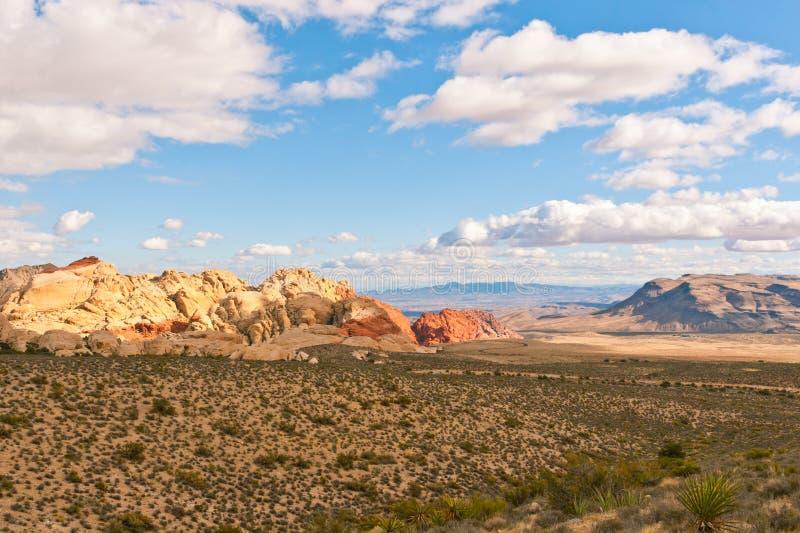 Красочные утесы в красном парке штата каньона утеса, Неваде, США стоковая фотография rf
