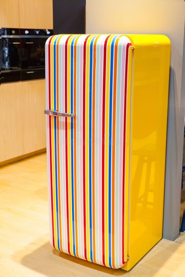 Красочные цвета радуги холодильника стоковые изображения