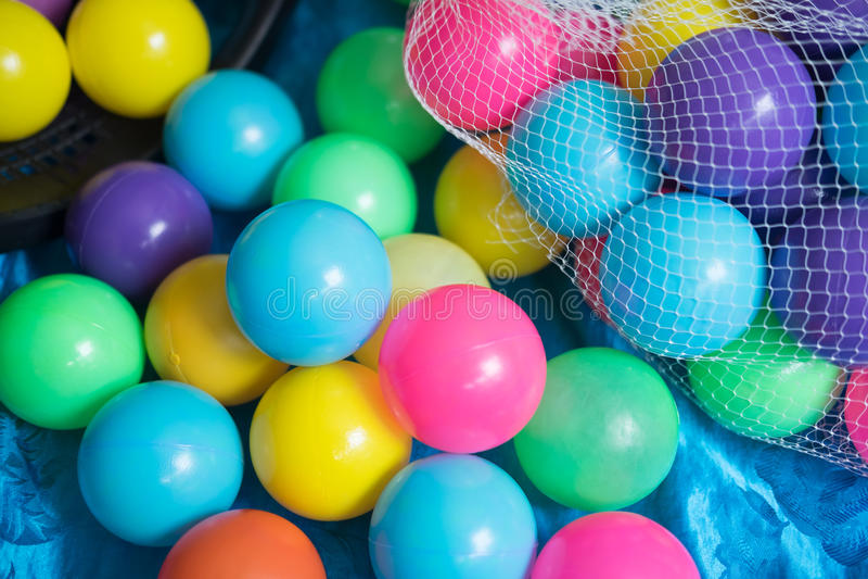 Красочные шарики, который нужно сыграть и потеха стоковая фотография