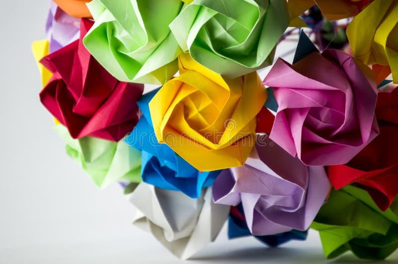 Красочный букет цветка Origami на белой предпосылке стоковое фото