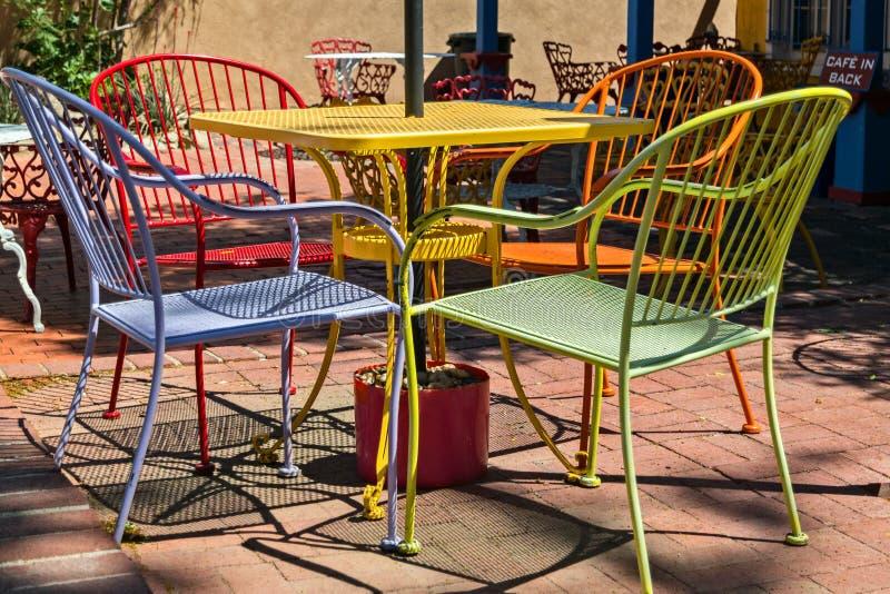 Красочный внешний обедать стоковое фото