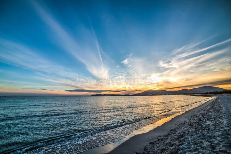 Красочный заход солнца над пляжем Pia Марии стоковые фотографии rf