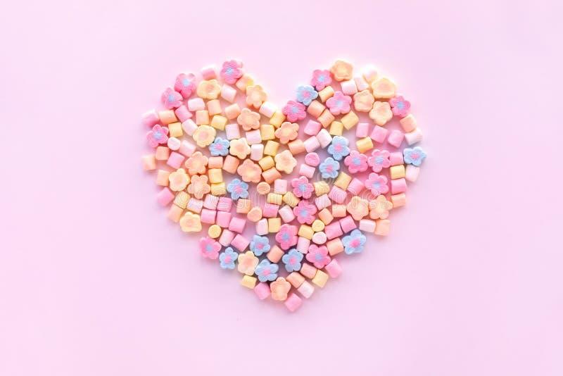 Красочный зефир в форме сердца Партия и торжество текстура предпосылки декоративная стоковые изображения rf