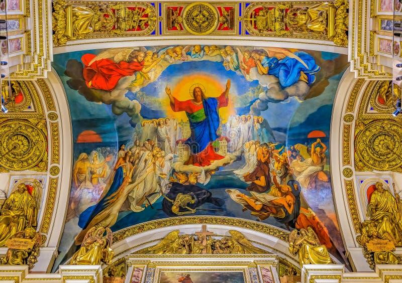 Красочный значок фрески Иисуса Христа на потолке в Святом Isaac' собор s русский правоверный в Санкт-Петербурге, России стоковое фото rf