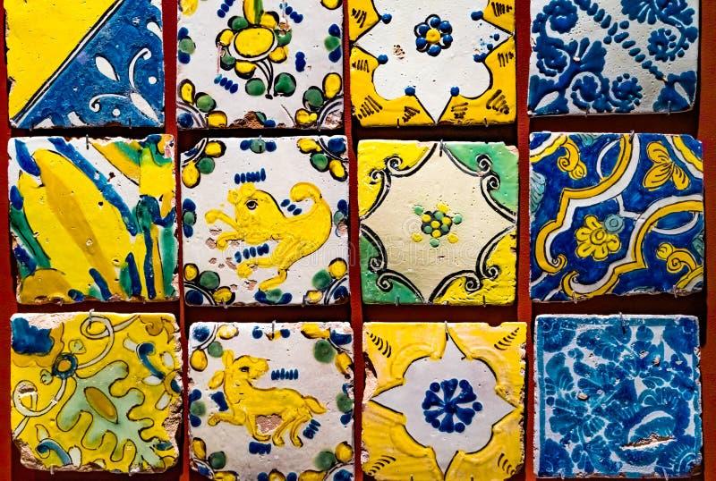 Красочный испанский мэр Мехико Мексика Templo плиток стоковые изображения rf