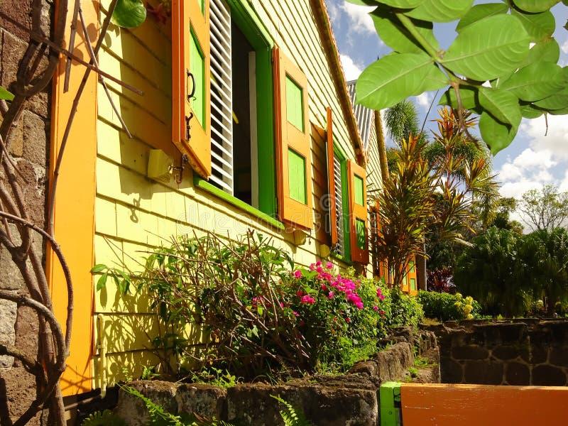 Красочный карибский дом стоковые фотографии rf